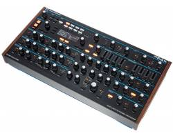 NOVATION PEAK Polyphonic Desktop Synthesizer Синтезатор аналоговый