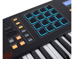 AKAI MPK 261  MIDI контроллер