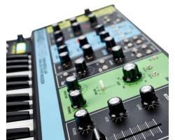 MOOG GRANDMOTHER Синтезатор аналоговый