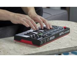 AKAI MPK Mini Play MIDI клавиатура