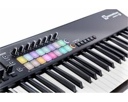 NOVATION LAUNCHKEY 61 MK2 MIDI клавиатура