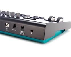 NOVATION LAUNCHKEY 61 MK2 MIDI клавиатура