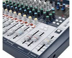 SOUNDCRAFT Signature 12 Микшерный пульт