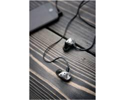 FENDER FXA5 IN-EAR MONITORS SILVER Ушные мониторы