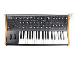 MOOG SUBSEQUENT 37 Синтезатор аналоговий