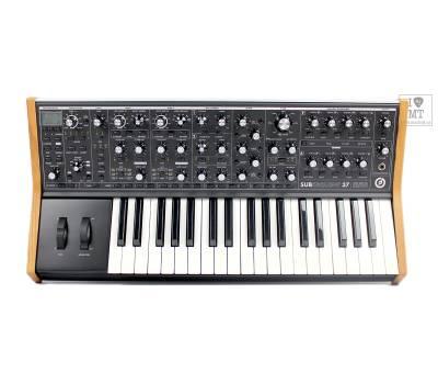 Купить MOOG SUBSEQUENT 37 Синтезатор аналоговый онлайн